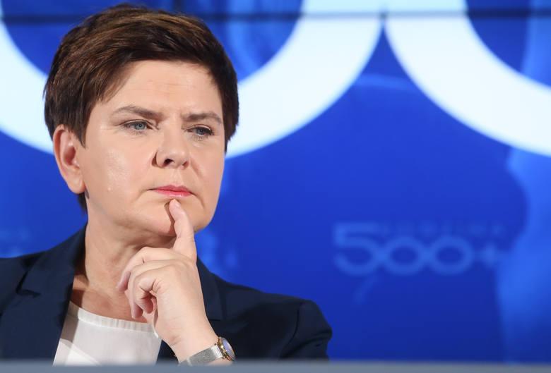 Apel smoleński na obchodach rocznicy Powstania Warszawskiego? Szydło: Piękna decyzja