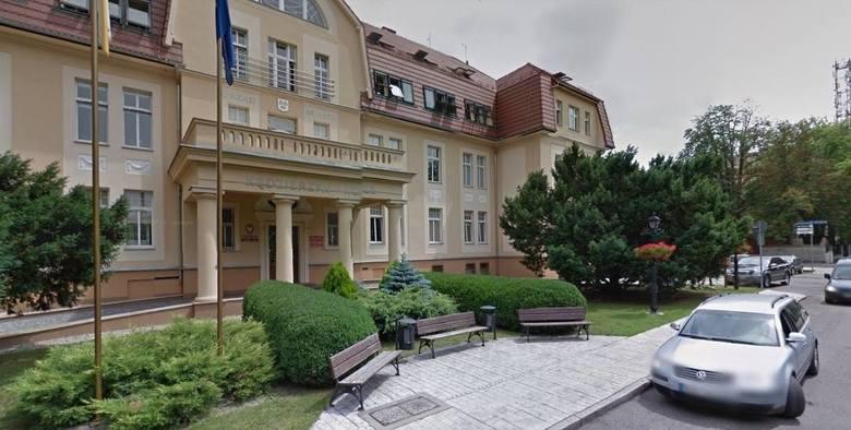 Pracownik Urzędu Miasta w Kędzierzynie-Koźlu jest zakażony koronawirusem. Potwierdziły to we wtorek wyniki badań. Magistrat będzie nieczynny