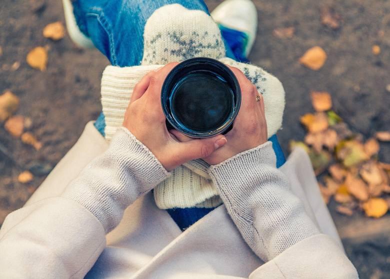 Życie w ciągłym napięciu ogranicza wydzielanie hormonów szczęścia, co z kolei zwiększa podatność na stres. By przerwać to błędne koło, codziennie angażuj