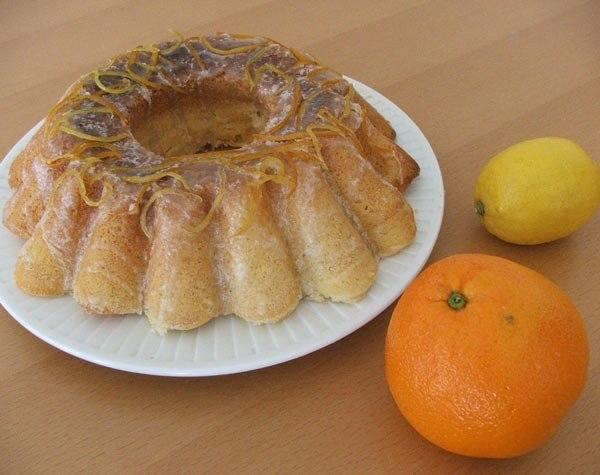Ciasta na Wielkanoc 2021. Wielkanocne wypieki. Szybkie, proste i pyszne ciasta wielkanocne. Co słodkiego upiec na Wielkanoc?