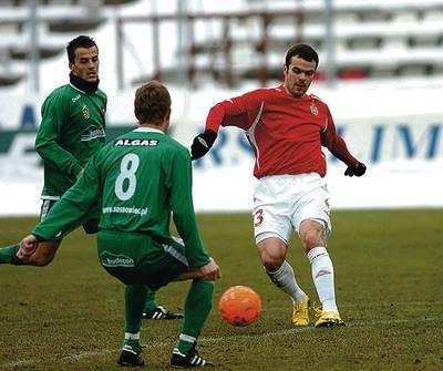 20 lutego Paweł Brożek zagrał w sparingu z Zagłębiem Sosnowiec. Tydzień później w Bełchatowie już zagrać nie mógł. Fot. Michał Klag