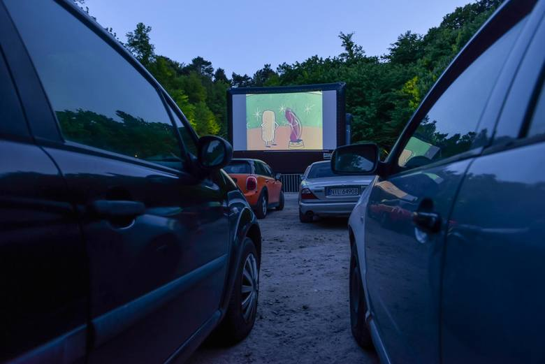 Przy Operze Leśnej w Sopocie ruszyło kino samochodowe