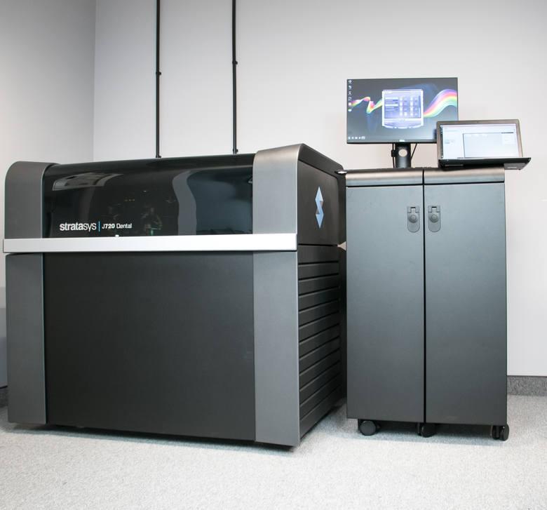 Dolnośląski Inkubator Druku 3D instaluje pierwszą drukarkę i wdraża najnowocześniejszą technologię druku 3D na świecie