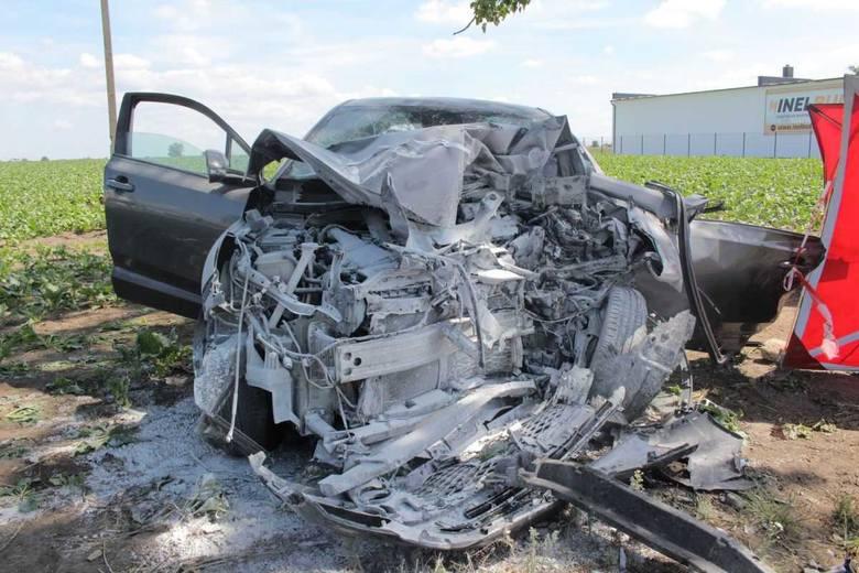 Jak już informowaliśmy, wczoraj przed południem w Jaksiach doszło do wypadku. Zginęła 63-letnia kobieta.- Kierująca samochodem marki Toyota, na prostym