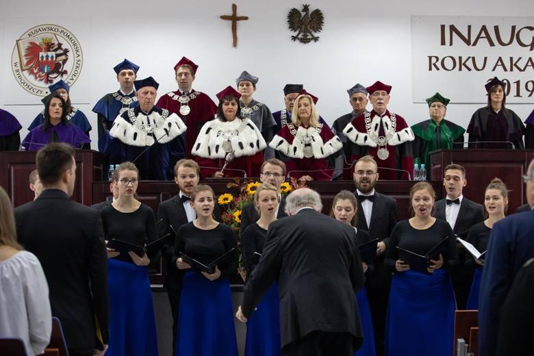 W sobotę, 5 października, w Kujawsko-Pomorskiej Szkole Wyższej w Bydgoszczy odbyła się inauguracja roku akademickiego 2019/2020. Podczas uroczystości