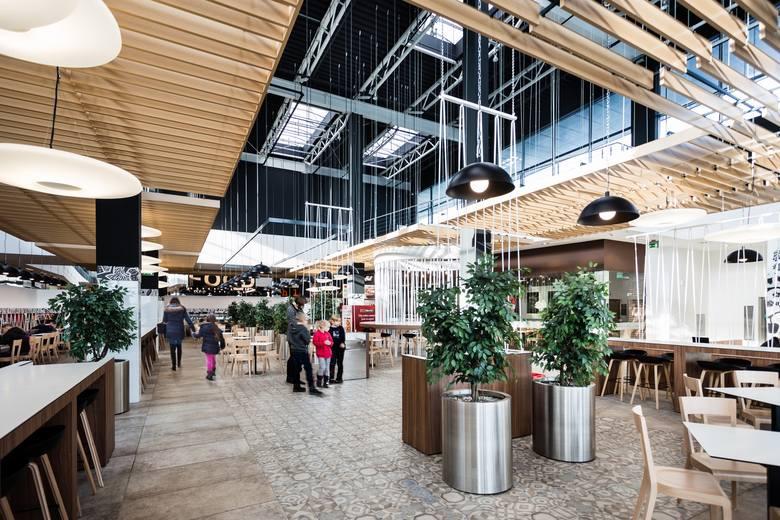 Kategoria: Design, wnętrza, centrum handlowe<br /> <br /> Nowy Food Court w Galerii Jurajskiej w Częstochowie – GTC/MAAS Projekt