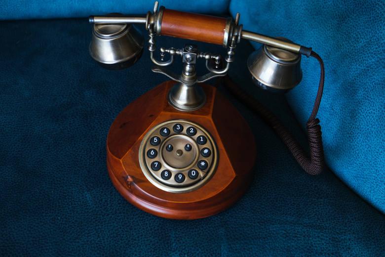 #9: TELEFONWynalazek, dzięki któremu jesteśmy w stanie komunikować się na odległość za pośrednictwem głosu, jest zdecydowanie jednym z najbardziej przełomowych.