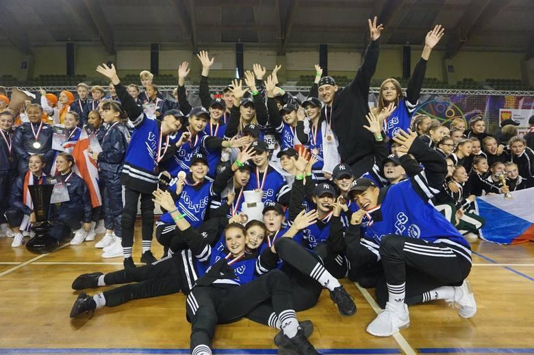 Dwa medale (srebrny i brązowy) i aż 12 miejsc w czołówce – to dorobek grup tanecznych Wolf ze Studia Tańca Up2Excellence z Bydgoszczy podczas mistrzostw