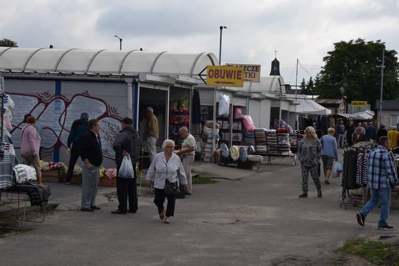 Market kontra targ w Częstochowie. Kupcy narzekają, ale targowisko też ma swoje atuty