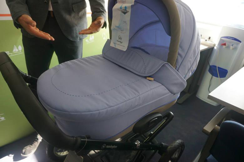 Rodzice każdego dziecko urodzonego dzięki miejskiemu programowi in vitro dostają wózek