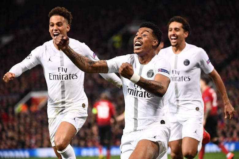 Na Old Trafford piłkarze Paris Saint-Germain wygrali 2:0, na zdjęciu strzelec pierwszej bramki Presnel Kimpembe (w środku)