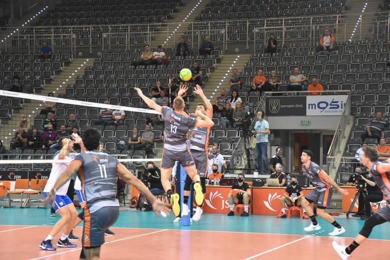 Jastrzębski Węgiel na drodze do Ligi Mistrzów pokonał między innymi Stroitel Mińsk.