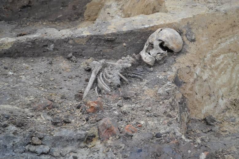 Podczas badań archeologicznych trwających przy budowie nowego budynku szpitala SPSK 1 przy ul. Staszica w Lublinie znaleziono ludzki szkielet