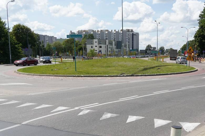 Przebudowa skrzyżowania łączącego drogę do Hryniewicz ul. Ciołkowskiego i Wiadukt ma zakończyć się na początku przyszłego roku
