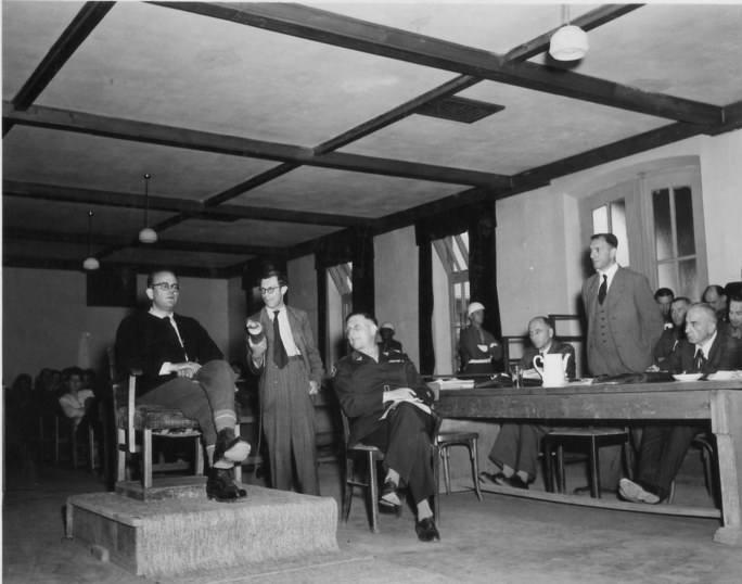 Konrad Morgen w czasie jednego procesów nazistowskich dostojników po wojnie