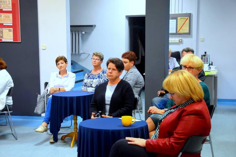 Spotkanie autorskie Elżbiety Pietrzak w MBP w Skierniewicach [ZDJĘCIA, FILM]