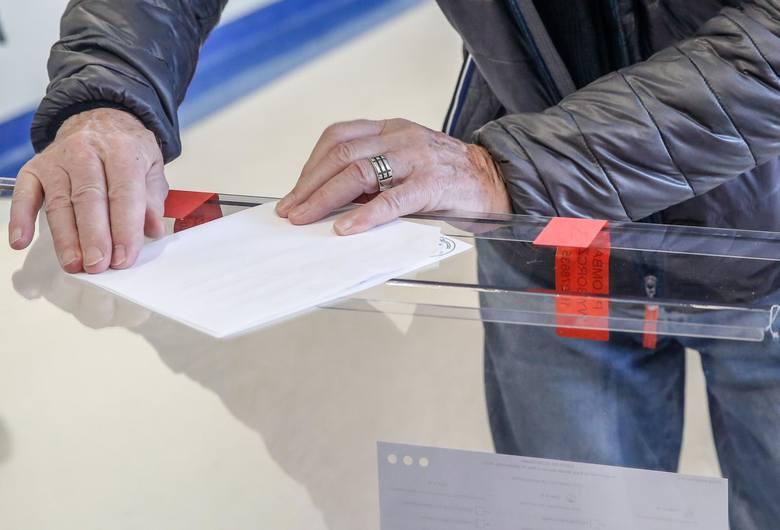 Wybory samorządowe 2018 KANDYDACI: Druga tura już w niedzielę. Gdzie w Śląskiem jeszcze raz pójdziemy do urn?