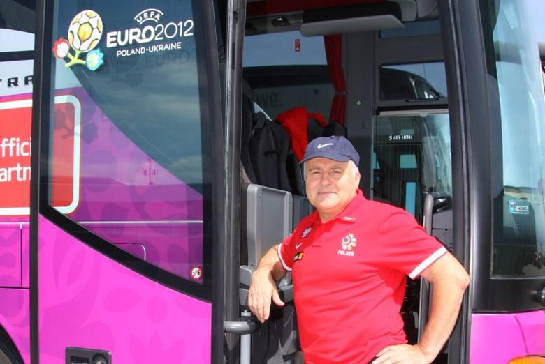 Bogusław Panasiuk to człowiek z poczuciem humoru, więc szybko dogaduje się z polskimi piłkarzami, którzy cenią sobie dobre żarty.