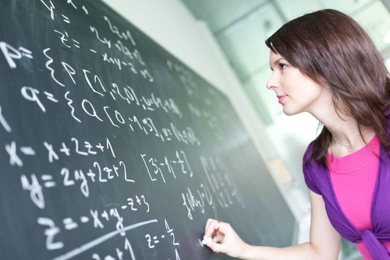 8% pracowników edukacji zmieniło w ciągu ostatnich 6 miesięcy stanowisko.Firma Randstad sprawdziła w których branżach Polacy najczęściej zmieniają stanowiska