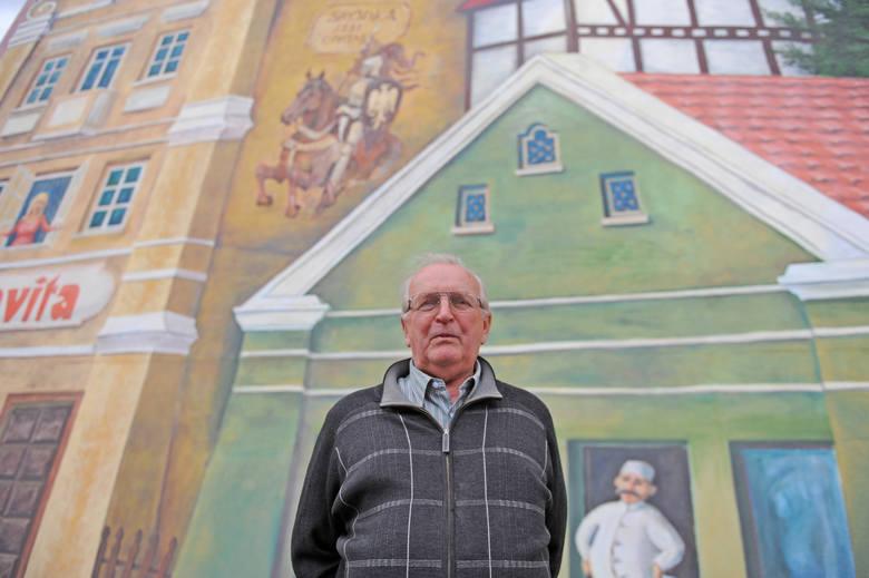 Gerard Cofta, mer Śródki. To on był inicjatorem powstania muralu. Teraz ma poważniejsze plany. Muzeum archeologiczne ze znaleziskami ze Śródki - to by było coś.
