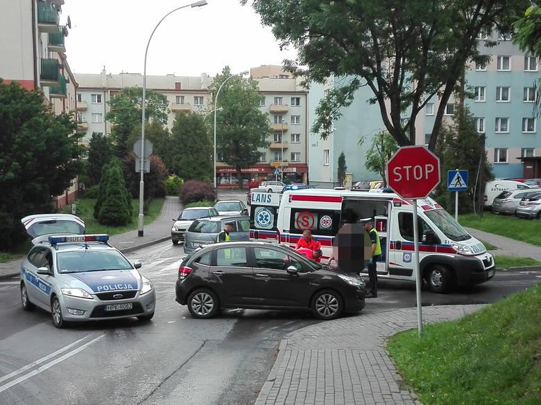 Do zdarzenia doszło ok. godz. 6:50 na skrzyżowaniu ulic Chrzanowskiej i Staszica. Jak informuje kom. Adam Szeląg, rzecznik KMP w Rzeszowie, z ustaleń