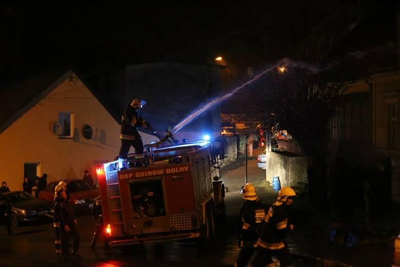 Trzy pozostałe nie wymagały hospitalizacji. Na miejscu akcji działania prowadziła również Policja. Na miejsce pożaru przybyli Komendant Powiatowy PSP