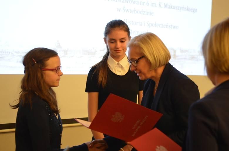 Lubuskie Kuratorium Oświaty zorganizowało w tym roku 6 konkursów przedmiotowych dla uczniów podstawówek. Do etapu wojewódzkiego olimpiad doszło łącznie
