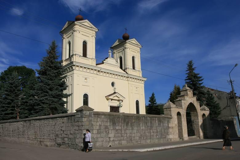 Polski kościół w Krzemieńcu, w którym znajduje się pomnik Juliusza Słowackiego dłuta Wacława Szymanowskiego oraz inne epitafia polskie.<br />