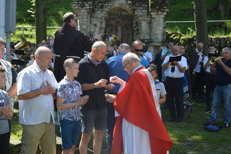 Pielgrzymka mężczyzn na Górze św. Anny. Kilka tysięcy mężczyzn spotkało się dzisiaj w grocie lurdzkiej