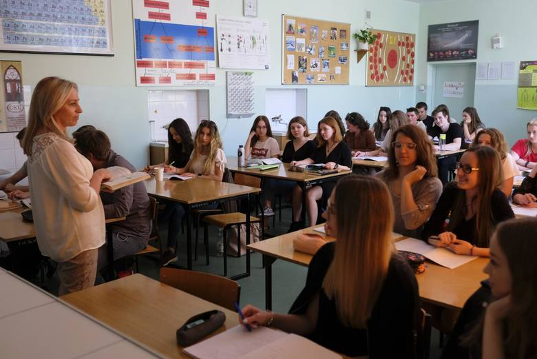 Prawie  połowa nauczycieli zapytanych przez ZNP opowiedziało się za strajkiem. Większość z ich uważa, ze powinien przybrać on formę strajku włoskieg