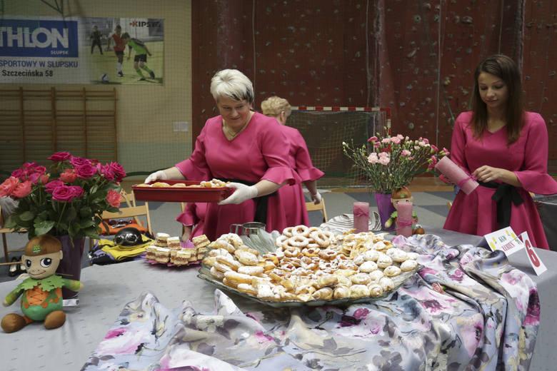 Zobaczcie zdjęcia z XIV  Powiatowego Turnieju Kół Gospodyń Wiejskich, który odbył się w Jezierzycach. Zapraszamy do galerii.