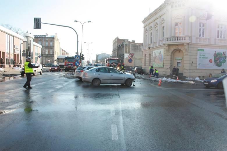 W środę (6 lutego) informowaliśmy o wypadku, do jakiego doszło na ulicy Staszica w Inowrocławiu. Jedna z kobiet potrąconych na chodniku zmarła w szpitalu.-