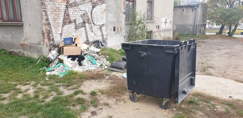 Lokatorzy nie mają szans na segregowanie śmieci