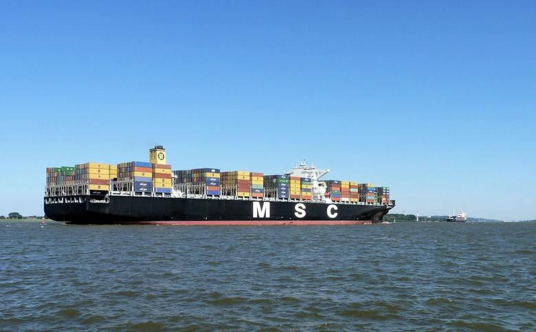 Kontenerowiec MSC ZOE, transportujący towary z różnym asortymentem, zgubił około 270 kontenerów w czasie sztormu na Morzu Północnym. Holenderska straż