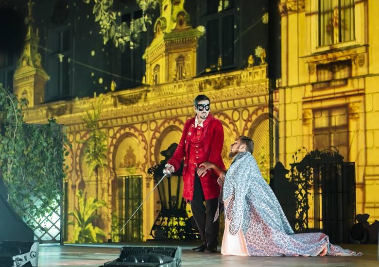 """Spektakl operowy """"Don Giovanni"""" przyciągnął do Nieborowa tłumy miłośników sztuki wysokich lotów"""