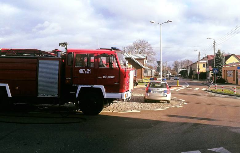 Obaj kierujący pojazdami wyszli z pojazdów bez obrażeń. Policja zakwalifikowała to zdarzenie jako kolizję.