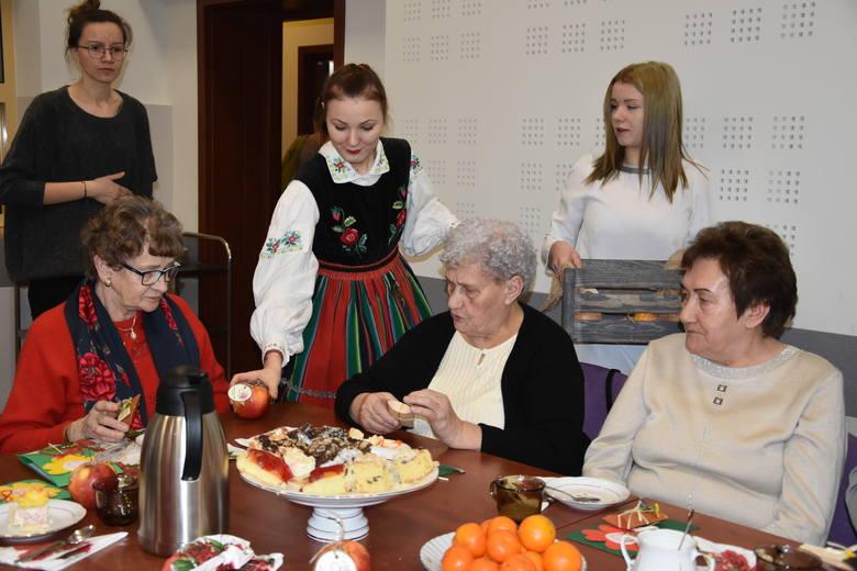 W poniedziałek 11 lutego obchodziliśmy Światowy Dzień Chorego ustanowiony przez Jana Pawła II w 1992 r.  Od lat z tej okazji  m.in. w Nakle i Sadkach