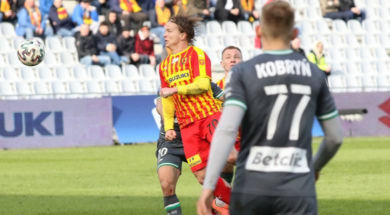 Piłkarze Korony Kielce przegrali w niedzielę z Lechią Gdańsk 1:2 w meczu 24. kolejki PKO Ekstraklasy. Najlepszy w ekipie gospodarzy był reprezentant