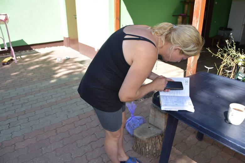 Mieszkańcy Pyrzan i Białczyka od lat nie mogą się pozbyć ogromnej ilości much
