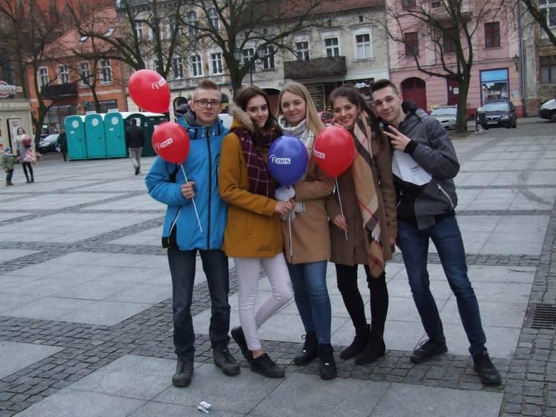 W święto miłości, nawet jeśli nie jest się zakochanym - warto wybrać się na Chełmińskie Walentynki. Wczoraj było tam wiele atrakcji. Już od  rana trwał