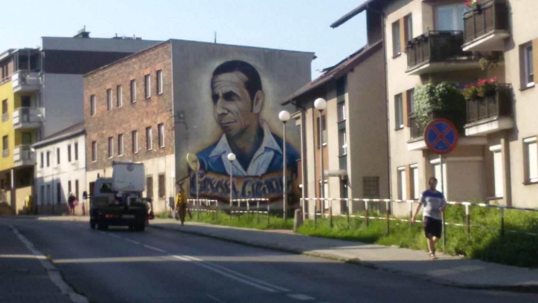 Mural z wizerunkiem gerarda cie lika zdj cia for Mural legionowo