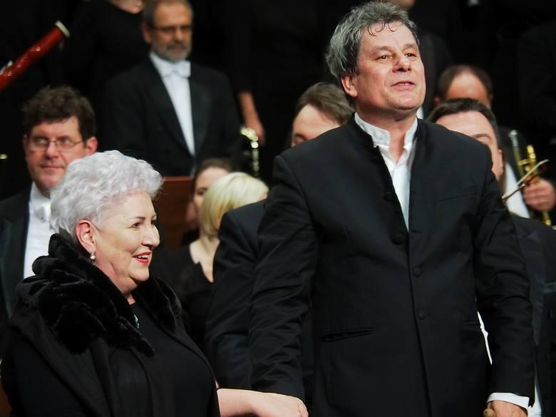 OiFP. Requiem Giueseppe Verdiego poprowadził Mirosław Jacek Błaszczyk. Chór przygotowała Violeta Bielecka
