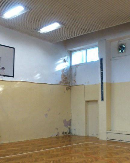 Obiekt sportowy przy ul. Orlej w Koszalinie jest w fatalnym stanie. Prezes ZOS Monika Tkaczyk przyznała w środę na zwołanej w ekspresowym tempie konferencji,