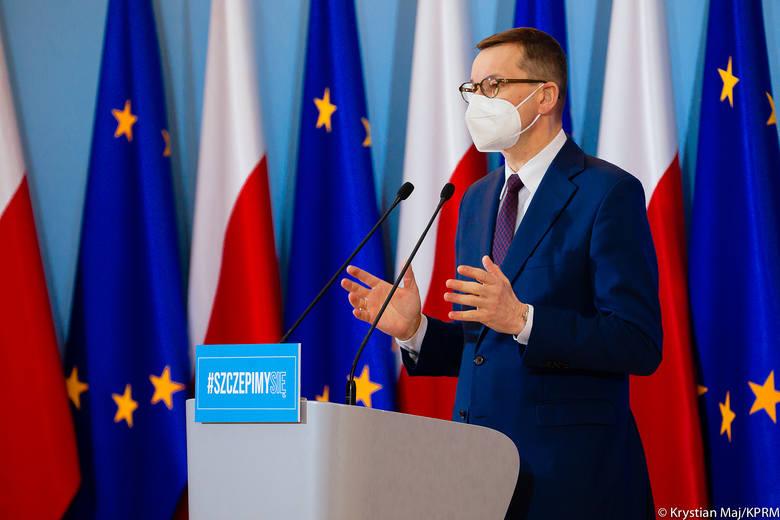 W piątek poznamy nowe etapy łagodzenia obostrzeń obowiązujących w Polsce - zapowiedzieli dziś premier Mateusz Morawiecki i minister zdrowia Adam Niedzielski.