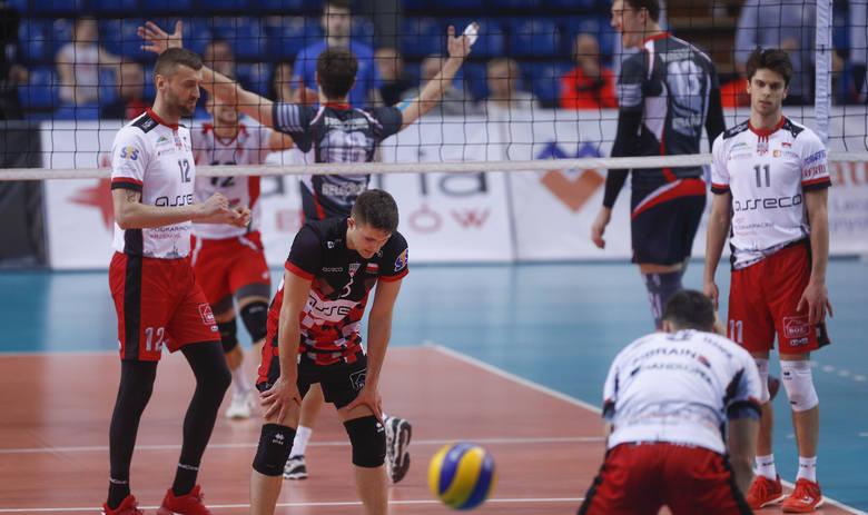Asseco Resovia przegrała u siebie z Biełogorie Biełgorod 0:3 i odpadła z Pucharu CEV.ZOBACZ TAKŻE - Aleksander Śliwka, przyjmujący Asseco Resovii po