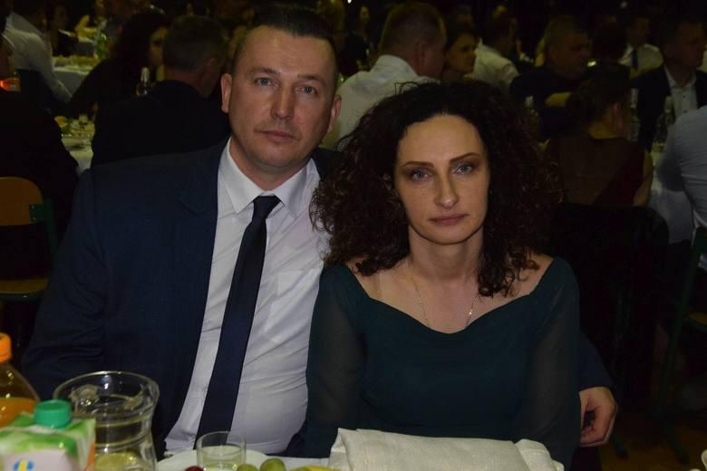 Joanna Nowak wraz z mężem, rodzice chorych Wiktorii i Norberta, są bardzo wdzięczni za otrzymane dary.