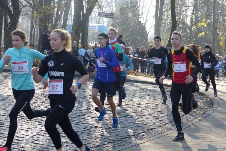 W biegu na 1918 metrów w Kielcach wystartowało 200 osób.
