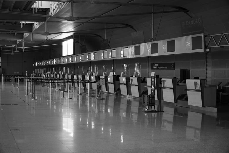Poznańskie lotnisko Ławica od prawie roku zmaga się z ogromnymi problemami finansowymi z powodu koronawirusa. Drastycznie spadła liczba pasażerów oraz