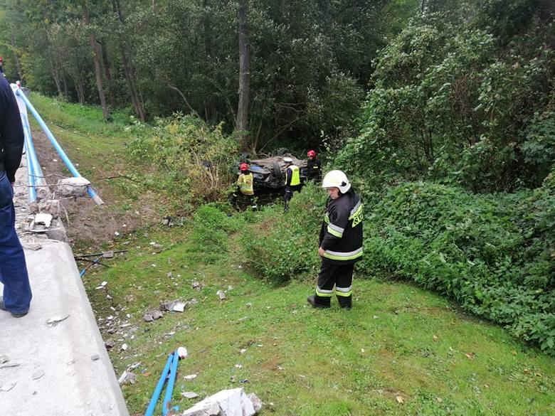 Zgłoszenie o zdarzeniu strażacy OSP w Brańsku odebrali w poniedziałek, 16 września. Skierowano ich na trasę relacji Kalnica -Kadłubówka, gdzie miało