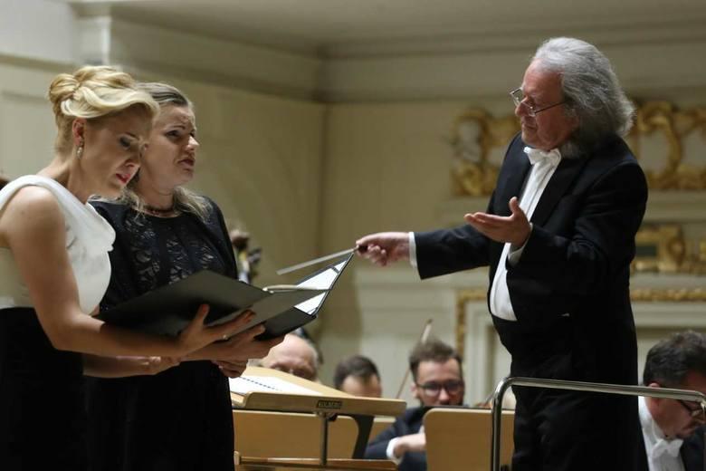 Aleksandra Kubas-Kruk i Agnieszka Rehlis oraz Orkiestra Filharmonii Poznańskiej pod batutą Marka Pijarowskiego.